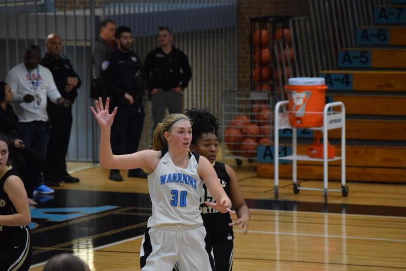 Catatan Gadis Basket: Pekerjaan ekstra terbayar untuk junior Willowbrook, Stephanie Dasbach
