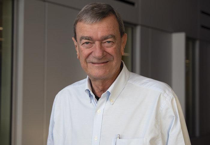 Pakar penyakit ginjal Profesor Charles Pusey pensiun setelah 40 tahun di Imperial | Berita Kekaisaran