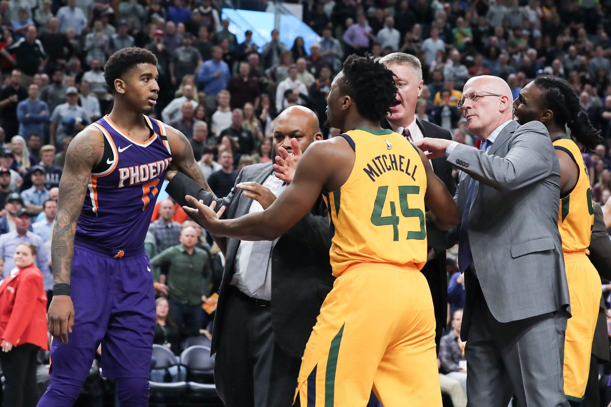 Phoenix Suns jatuh ke Utah Jazz, melampiaskan frustrasi dalam pertarungan