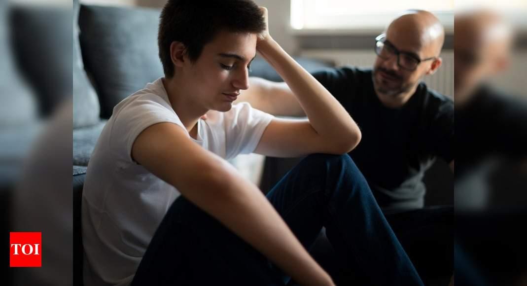 Saya mengasuh anak saya bersama istri saya, tetapi tampaknya dia tidak ingin bersama saya