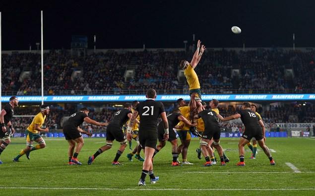 Uji coba pertandingan rugby kembali!