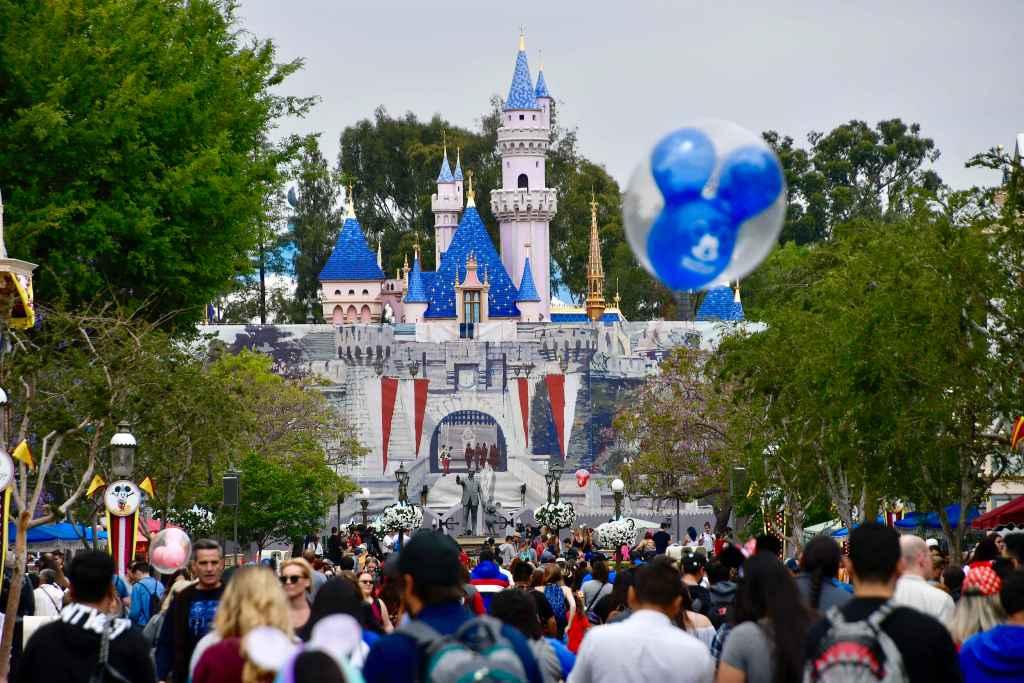 Berapa harga tiket Disneyland pada tahun 2030, 2040 dan 2055? - Daftar Orange County