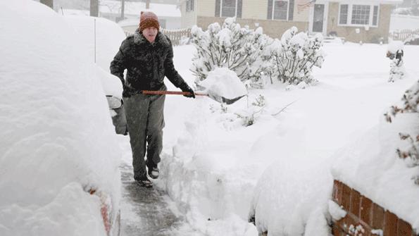 eight Suggestions untuk Menavigasi Kondisi Musim Dingin yang Licin Dengan Aman