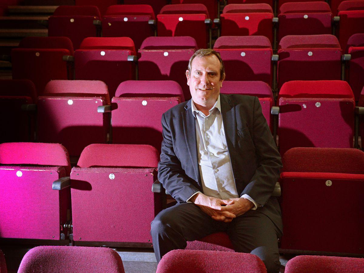 Bioskop 'siap untuk keluar' dari mimpi buruk virus corona - tetapi membutuhkan lebih banyak panduan