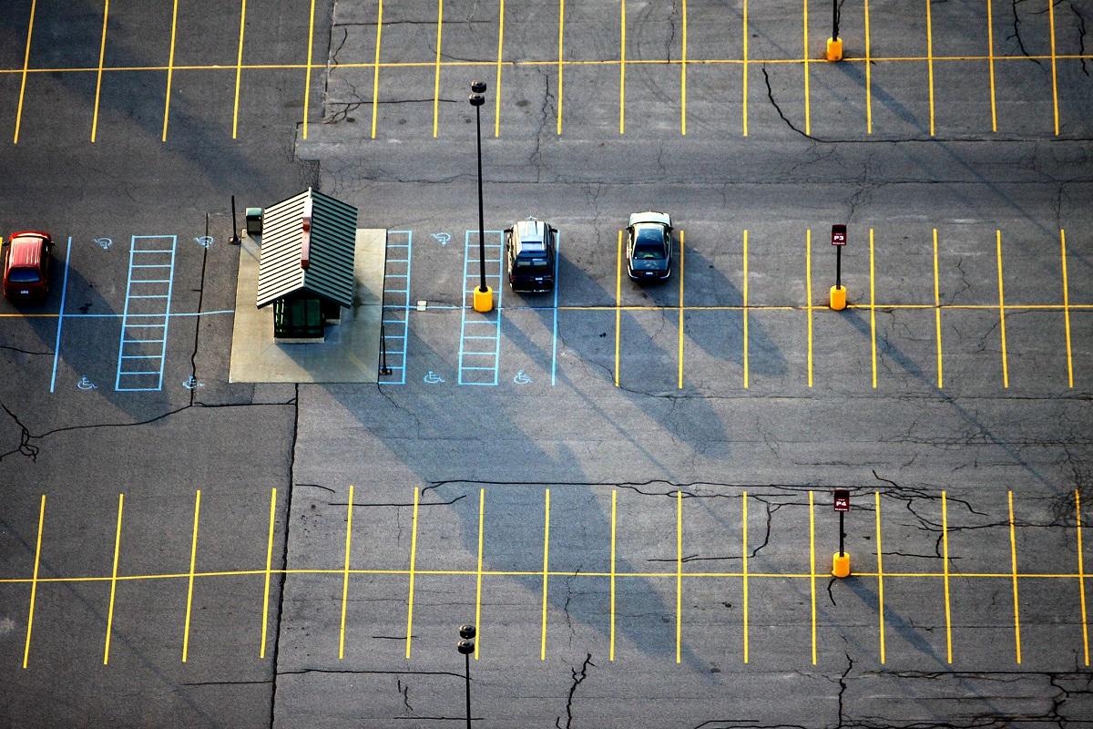 Cara Menghemat Uang dengan Parkir di Tempat Teduh