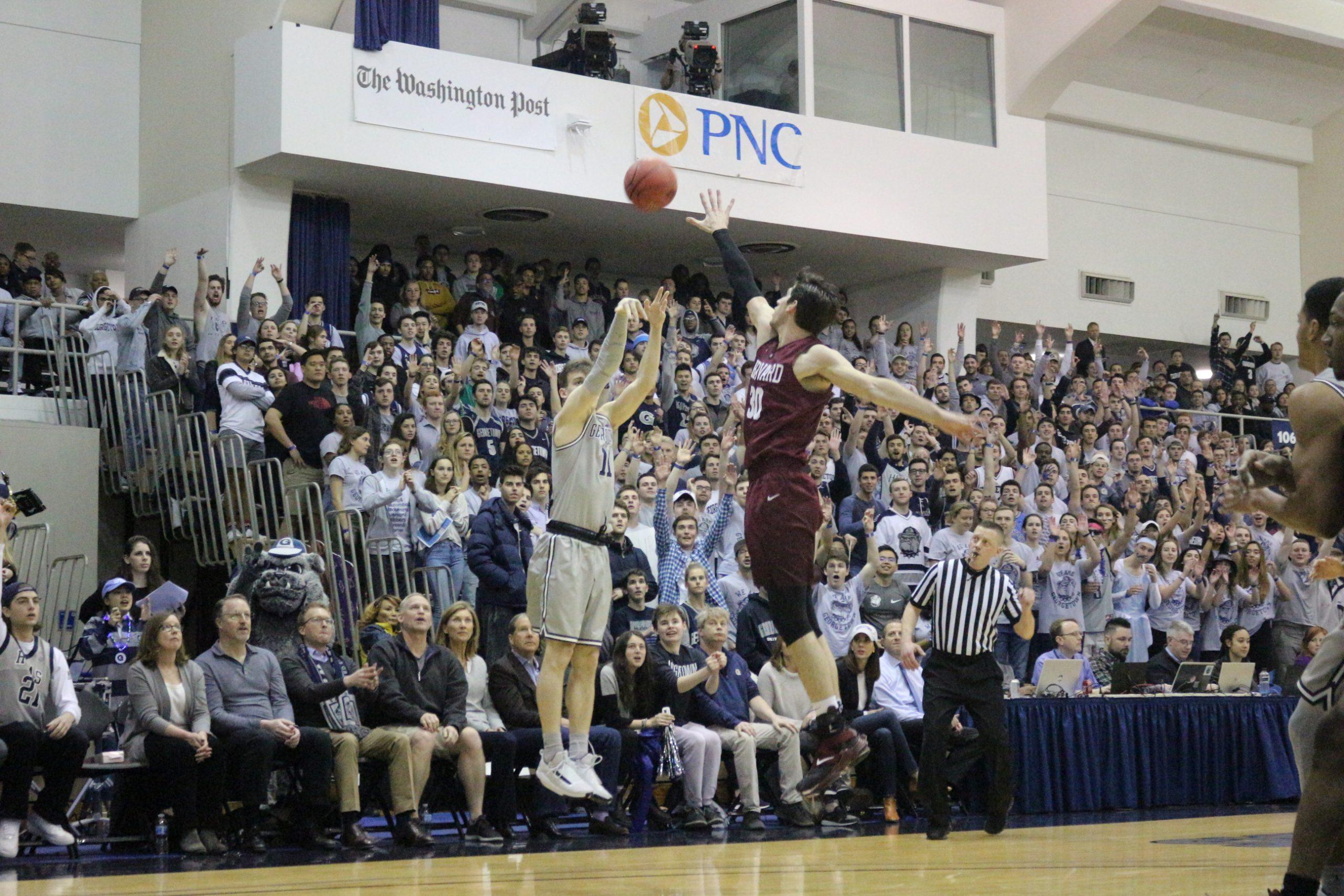 Bola Basket Putra Keluar dari NIT di Putaran Pertama dengan Kalah dari Harvard