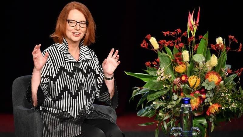 Pria juga harus menyebut seksisme: Gillard | Berita Guardian