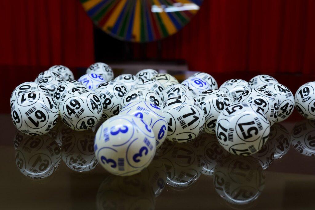 Arkansas Husband Menangkan $ 1 juta setelah Pencampuran Tiket Lotere