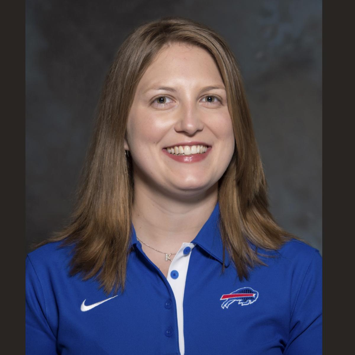 Kathryn Smith Komentar Menjadi Pelatih Penuh Waktu Wanita Pertama dalam Sejarah NFL | Laporan Bleacher