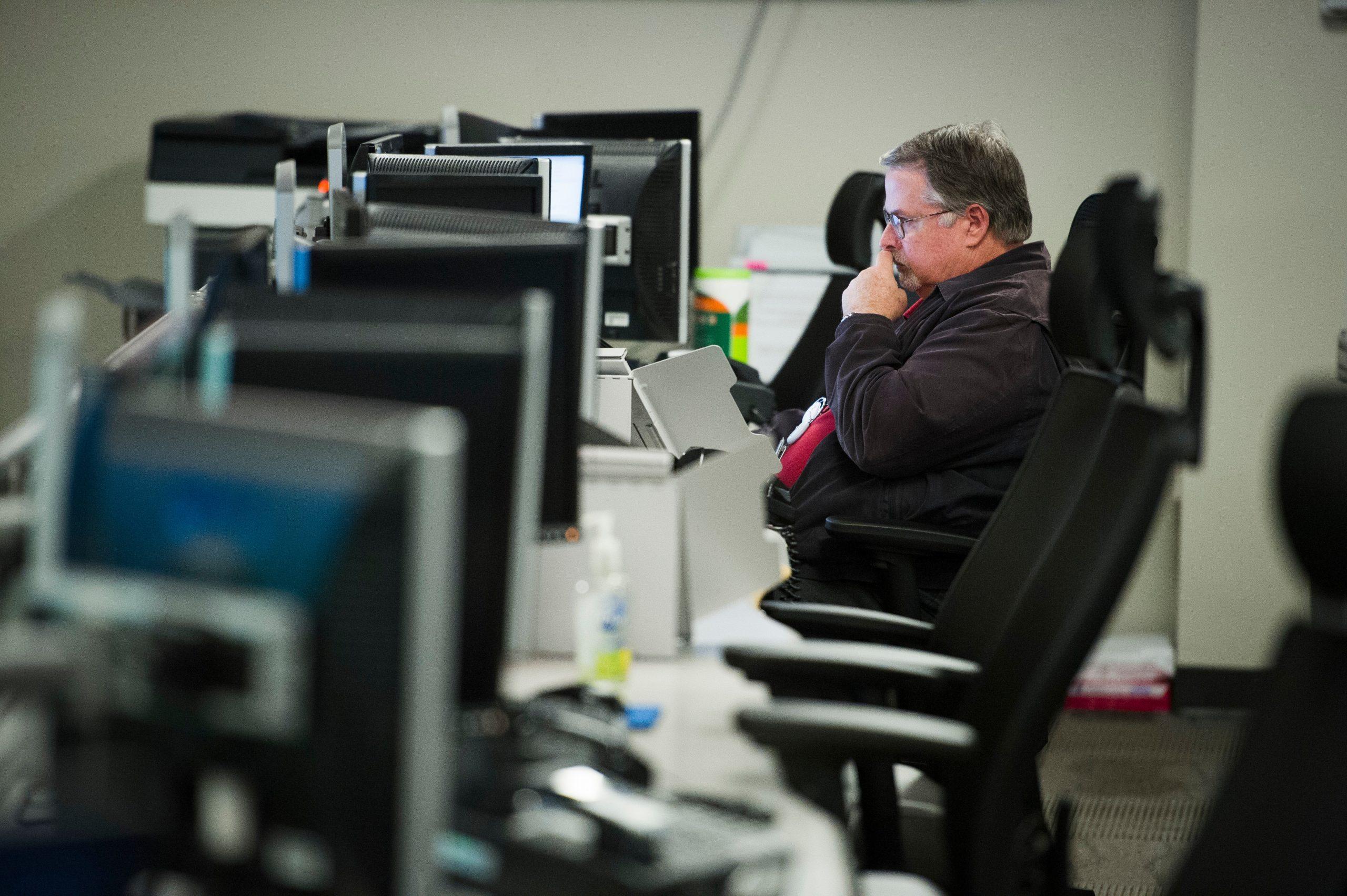 Orang Amerika Semakin Tidak Aktif, Sebagian Komputer Disalahkan | Voice of America