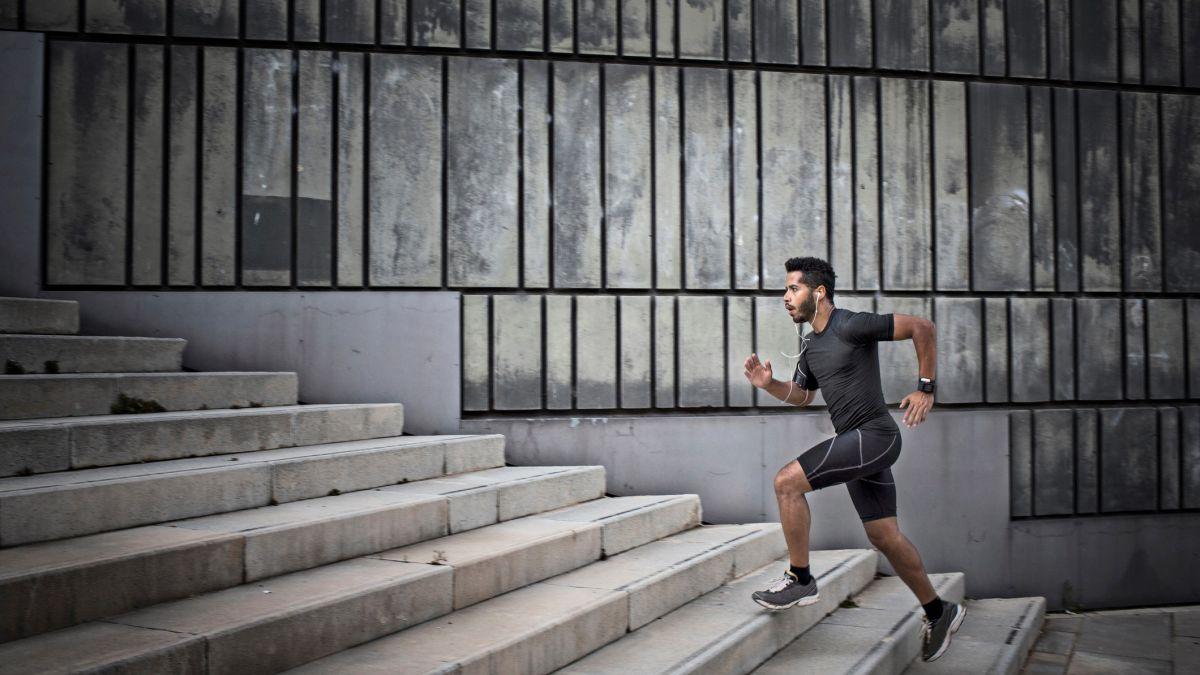 Apakah kardio puasa lebih baik untuk menurunkan berat badan? Penelitian ini mungkin punya jawabannya
