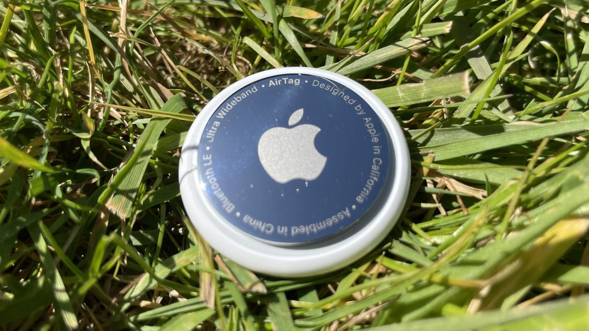 Ulasan Apple AirTag: kesan pertama