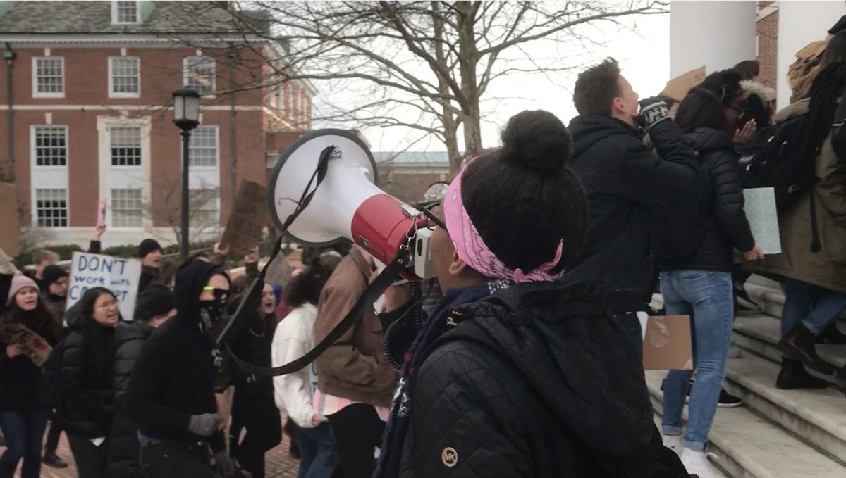 Jalan Berliku dan Diperebutkan menuju Angkatan Polisi Johns Hopkins