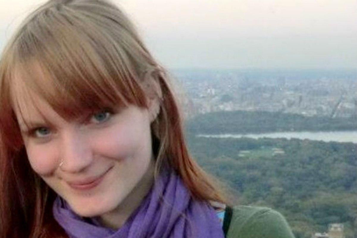 Wanita Dicekal Facebook Karena Namanya ISIS – The Sun